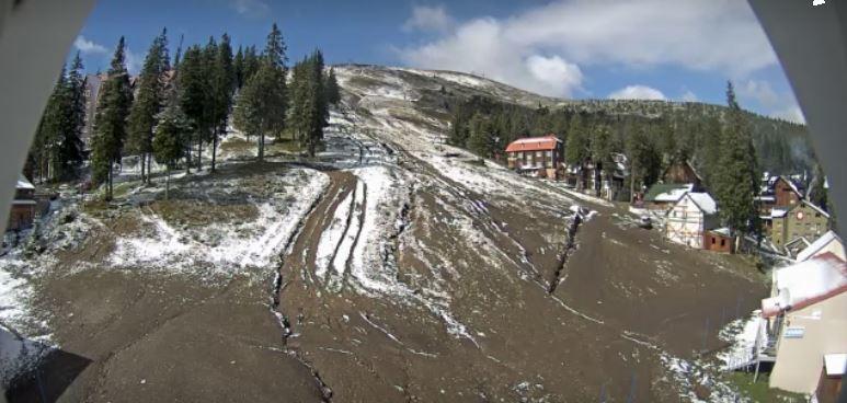 Метеорологи: в Україні очікується похолодання. На заході вже випав перший сніг