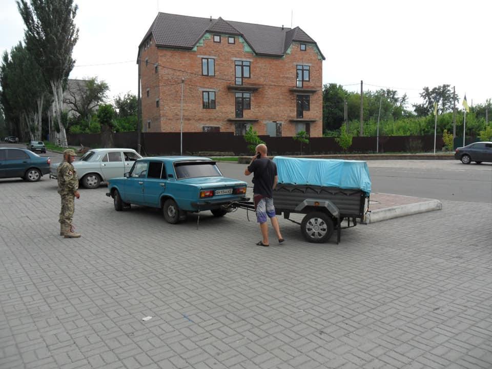 Активісти Бахмута поскаржились на кілька точок незаконного продажу бензину