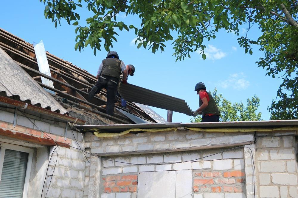 Рятувальники відновили понад 500 будинків в Авдіївці, зруйнованих від обстрілів