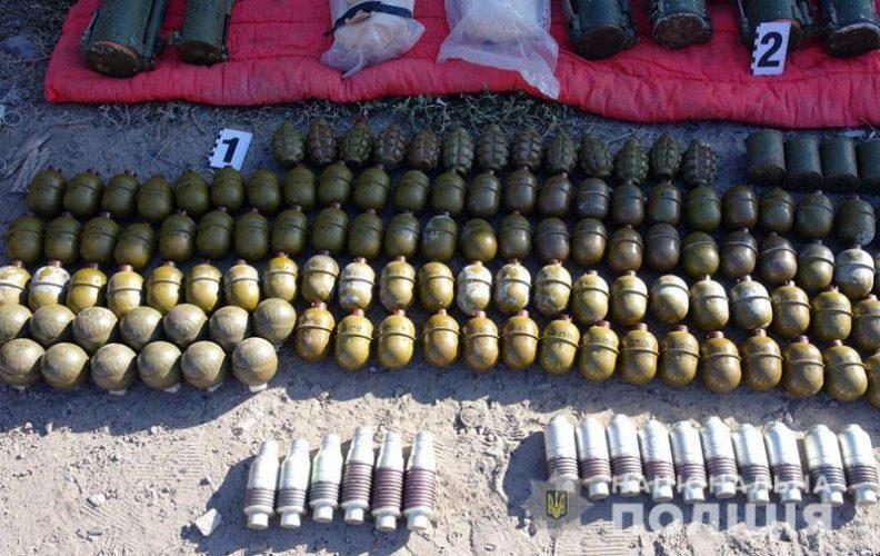 Вилучений арсенал зброї в Бахмуті