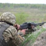 В зоне ООС за сутки зафиксировали 17 обстрелов, ранены 2 бойца ВСУ