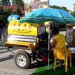 Бахмутська поліція з літа намагається оштрафувати продавчиню квасу без документів