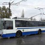 Водитель одного из бахмутских троллейбусов выгнал посреди дороги более десяти школьников, которые возвращались домой, — очевидцы
