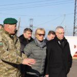 Омбудсмени України та Литви перевірили, наскільки дотримуються прав людини на КПВВ в Донецькій області