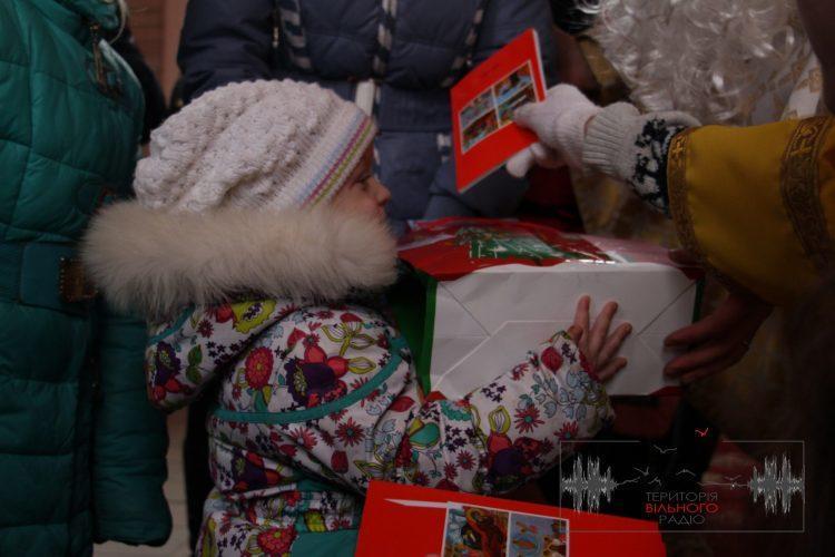 В Бахмуті подарували дітям подарунки з Коломиї