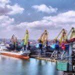 Маріупольский та Бердянський порти скорочують робочий графік та звільняють людей, — Омелян