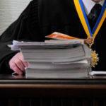 На Донеччині жінка намагалась підкупити суддю, але і сама тепер постане перед судом
