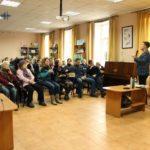 """Бахмутська бібліотека зібрала аншлаг на презентації """"Схід читає"""" (Фото)"""
