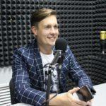 """""""Я просто людина, яка заробляє собі на життя тим, що вигадує історії"""". Інтерв'ю з українським письменником Максом Кідруком"""