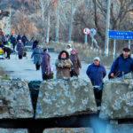 На КПВВ на Луганщині кілька десятків людей знепритомніли у черзі, — ОБСЄ
