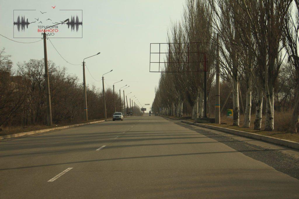 в Бахмуті на Донеччині майже нема розмітки на дорогах