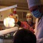Стоматология на колесах: как в Зайцево лечат зубы военным (ВИДЕО)