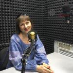 """""""Моя надмета — це просто любити Україну"""". Інтерв'ю з волонтеркою Ангеліною Шостак"""