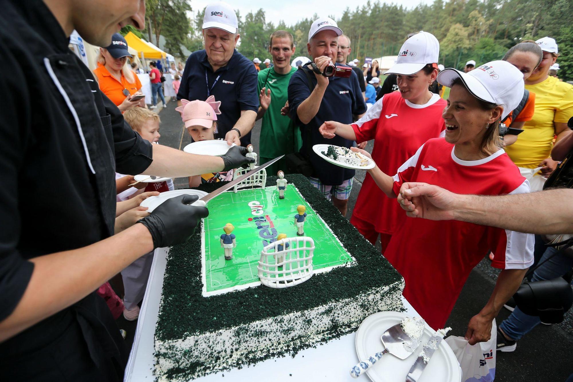 торт для футболістів
