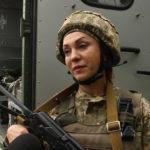 Сменила косметологию на военную службу: интервью с боевым медиком Еленой Ильинской