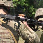 Окупанти на Донбасі стали стріляти значно менше, але поранили військового ЗСУ, — штаб ООС