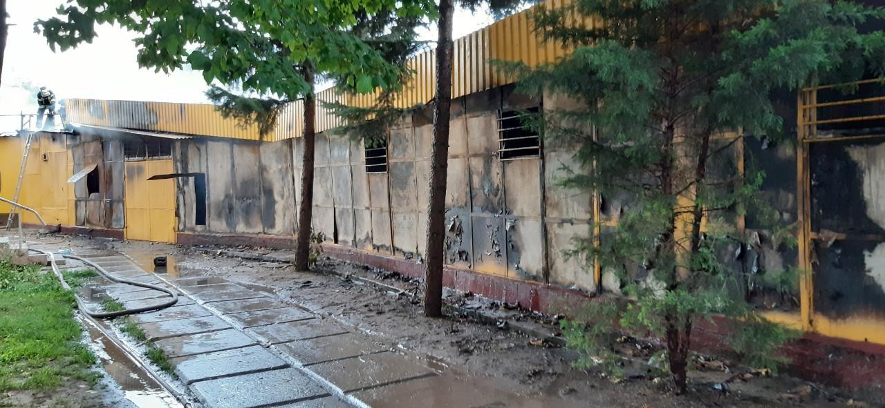 В Дружковке сгорел рынок