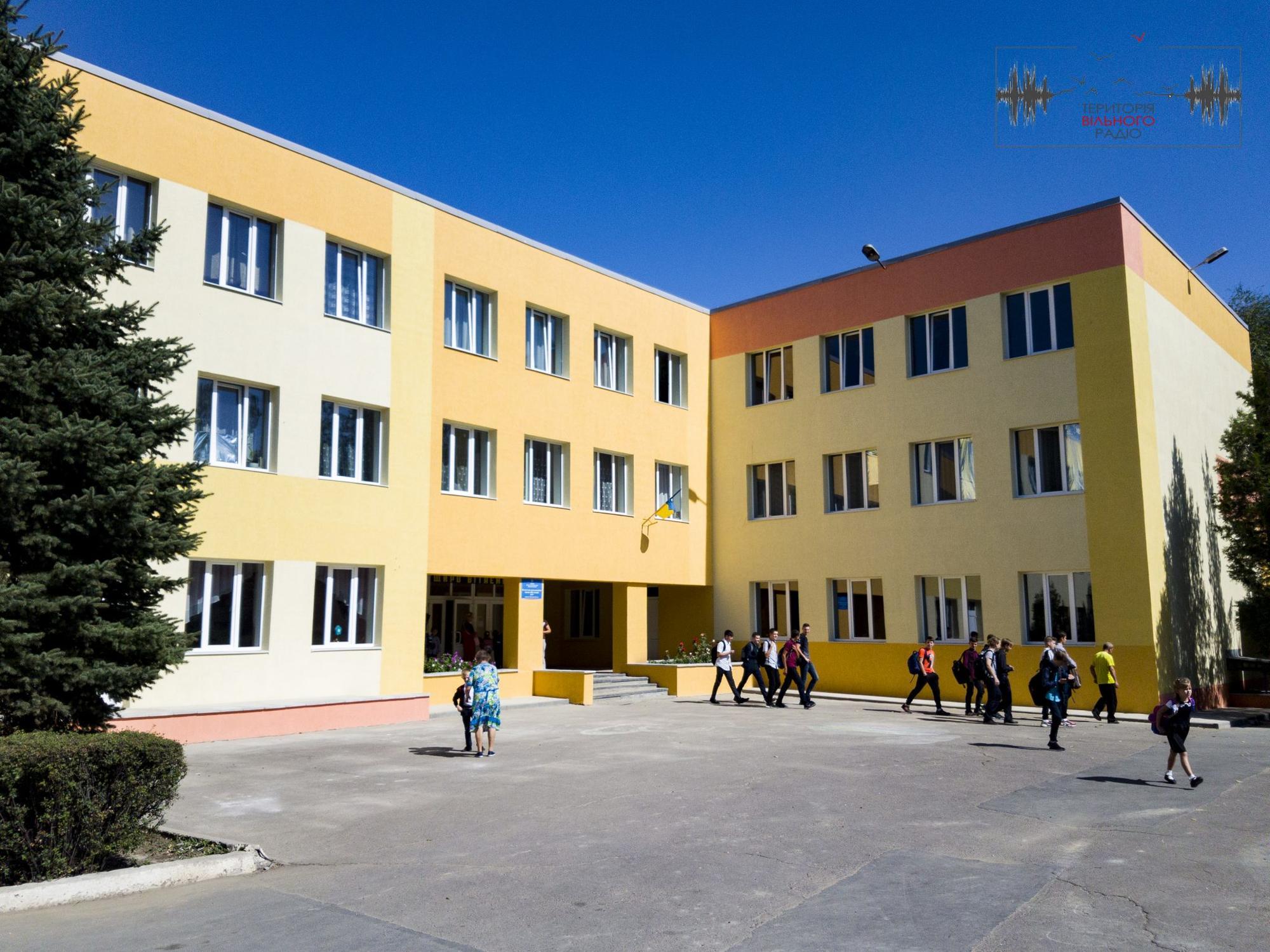 Ремонт в Бахмутській ЗОШ №10 планують закінчити до 1 жовтня. В школах №11 та 12 пізніше