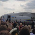 В Україну повернули 35 політв'язнів. Серед них: моряки, Сенцов, Кольченко, Балух, Гриб, Панов