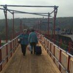 """На КПВВ """"Станиця Луганська"""" відкрили обхідний міст, поки триває ремонт основного (ФОТО)"""