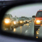 Відсьогодні водії повинні їздити з увімкненим світлом фар поза населеними пунктами