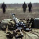 На Донбасі на вибуховому пристрої підірвались двоє українських військових, — штаб ООС