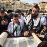 """Зберігаючи традиції: 10 підлітків з Донеччини безкоштовно відсвяткують """"повноліття"""" в Ізраїлі"""
