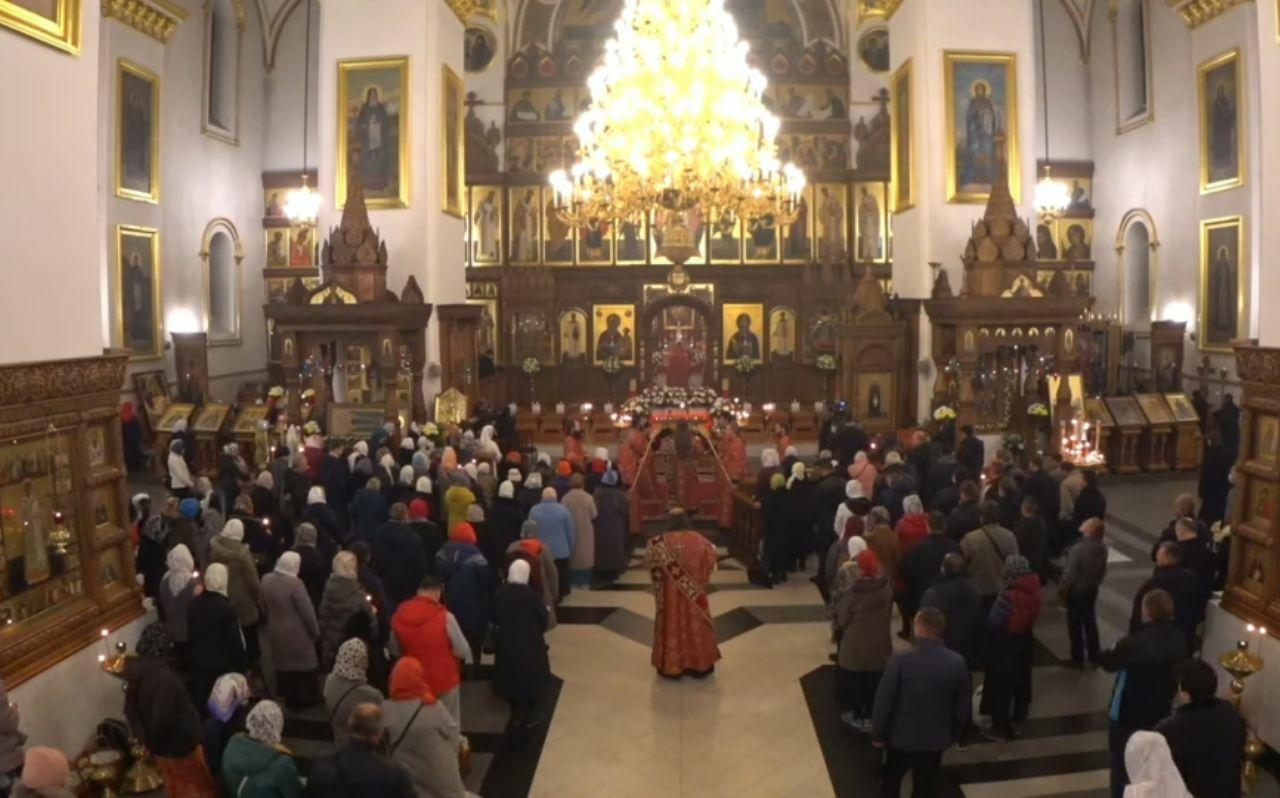 служба в святогірській лаврі на великдень 2020