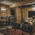 Карантинные концерты: Кого из музыкантов можно послушать в режиме онлайн (выбор редакции)