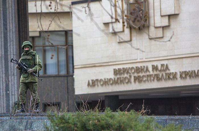 """""""Україна належить Росії, а боїнг збили ЗСУ"""": 6 маніпуляцій в розмові Гордона та Гіркіна про Донбас"""