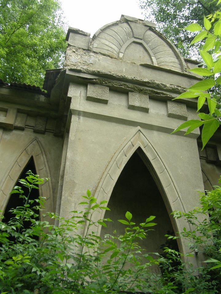 старовинна споруда Іванівське