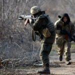 9 поранених військових та обстріляні житлові квартали. Як минули вихідні на Донбасі