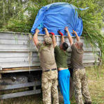В Часов Яре военные 65 госпиталя сделали лаунж-зону на местном пляже (ФОТО)