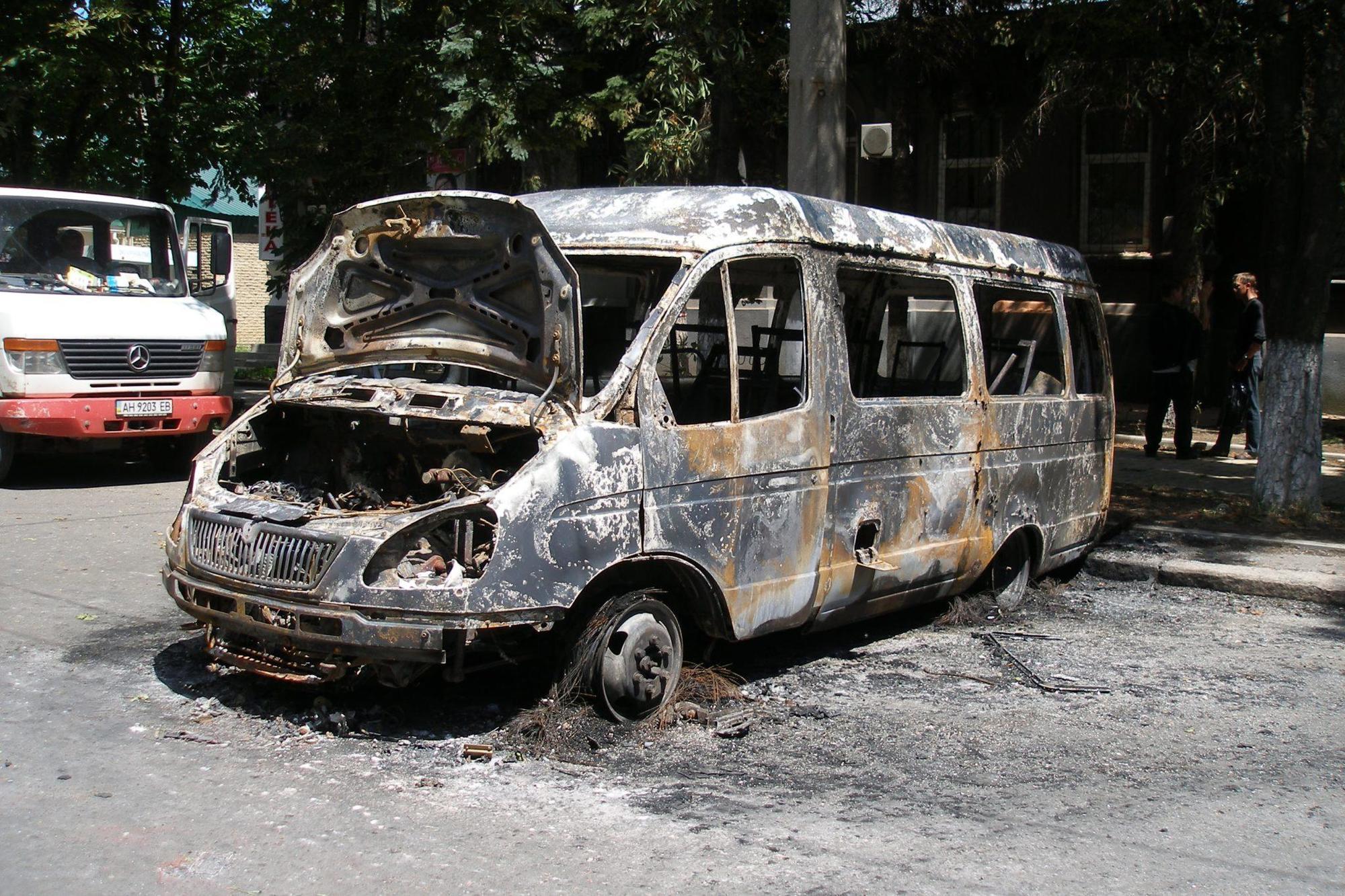 машина бойовиків ДНР окупація Бахмут Артемівськ