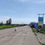 10 серпня люди перетинають лінію розмежування на Донбасі через 2 КПВВ