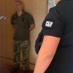 """Просили """"відкат"""" за маски: Кількох посадовців Командування медсил ЗСУ спіймали на хабарі в 1 млн грн"""