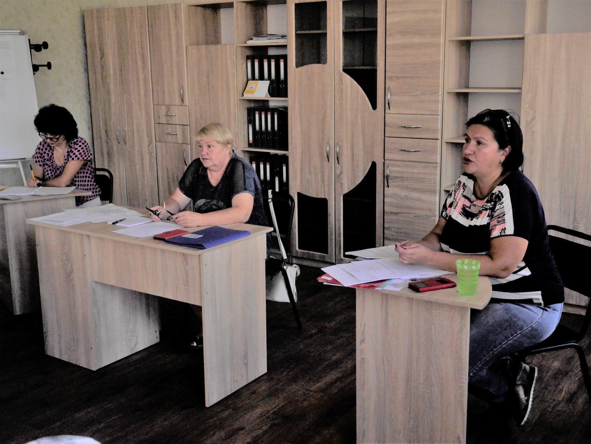 засідання ТВК Бахмут члени територіальної комісії