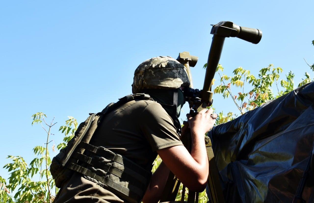 На сході України в неділю бойовики стріляли в бік українських військових 4 рази, — штаб ООС