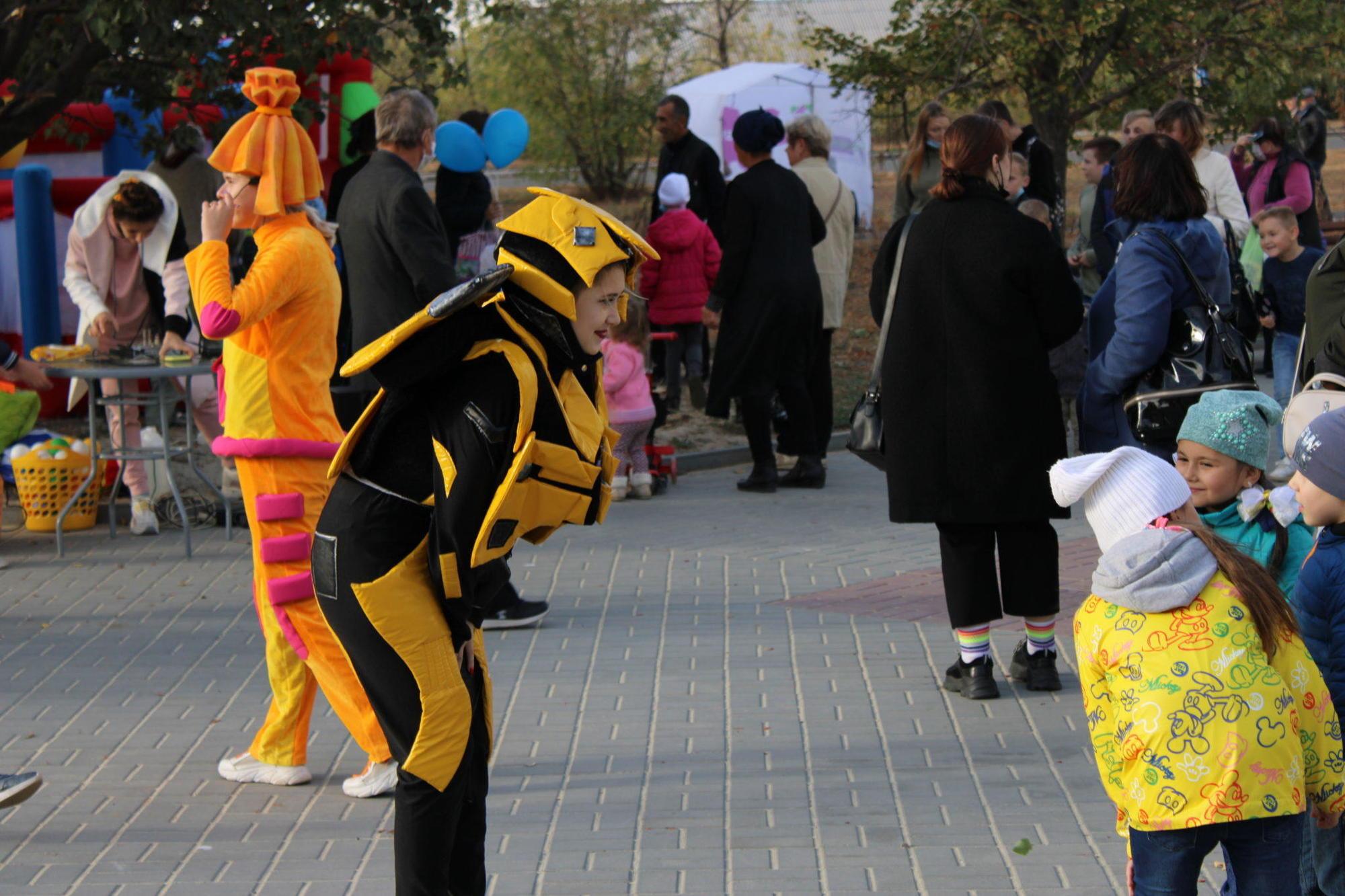 Традиційне свято в умовах карантину та виборчого процесу: як в Бахмуті відзначили День мікрорайону Західний (ФОТОРЕПОРТАЖ)