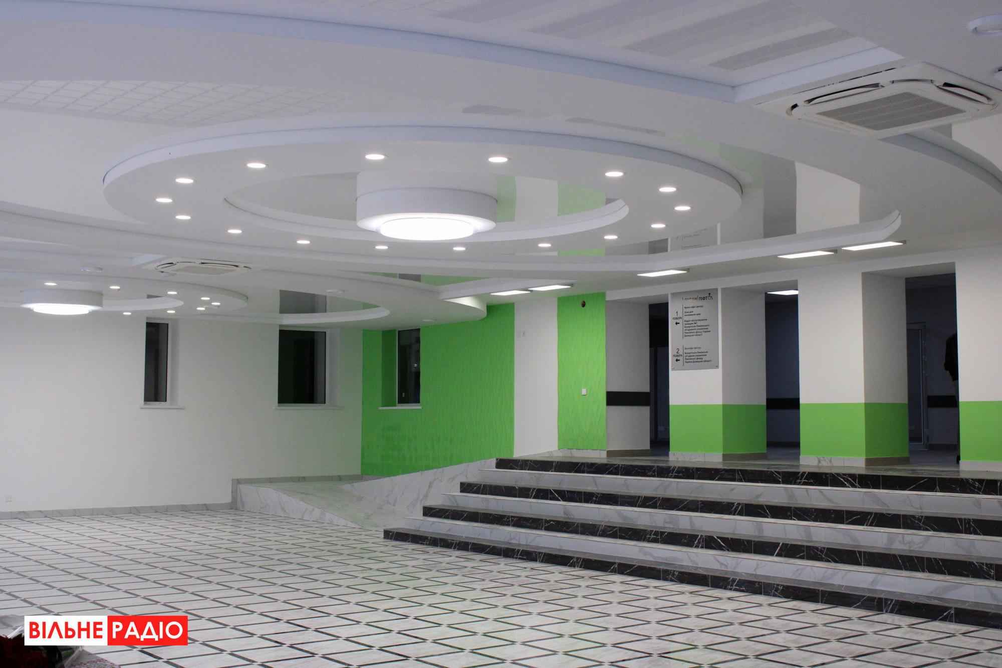 В Бахмуте перед выборами представили не готовый Прозрачный офис. Услуги будут предоставлять уже в 2021