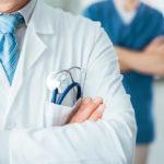 9 зі 101: лише одиниці медиків Донеччини з COVID-19 отримають компенсації від соцстраху