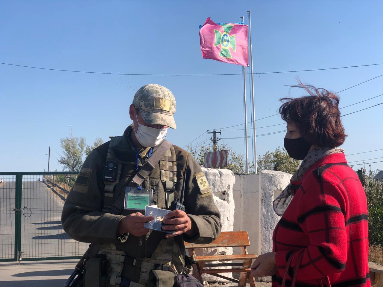 """Сегодня из всех КПВВ работает только """"Станица Луганская"""". Завтра он закрывается"""