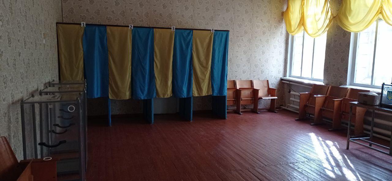 кабінки для голосування двк