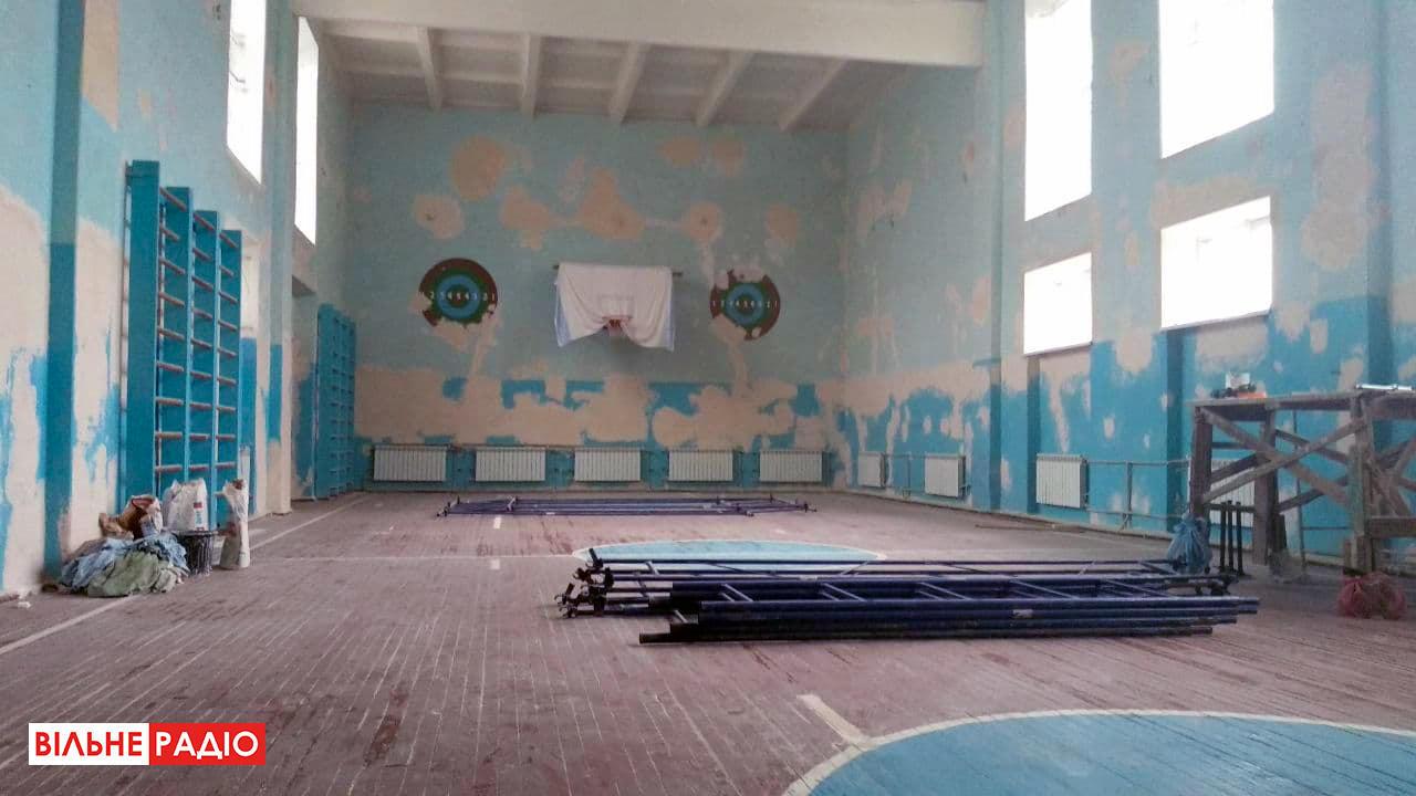 Об'єднані спортзалом: жінки зі Званівки згуртувалися, щоб допомогти школі та стати впевненішими в собі