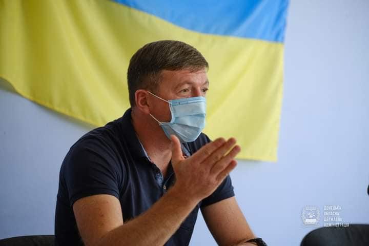 Володимир Весьолкін прапор посадовець в масці