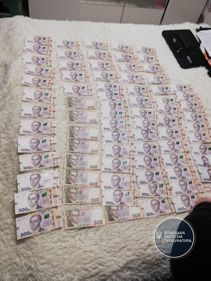 Правоохоронці вилучили понад 84 тисячі гривень в організаторів нелегальних гральних залах Донеччини