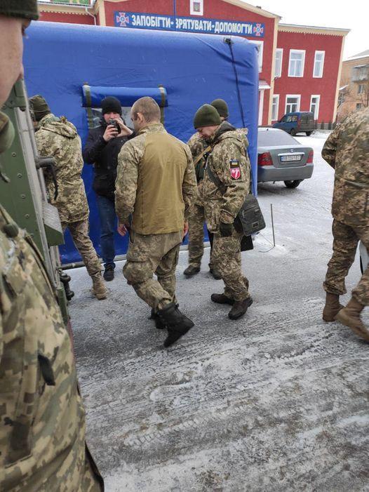 23 грудня українській стороні передали бійця ООС, якого захопили у полон бойовики на Луганщині