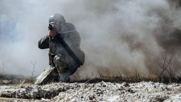 В зоне ООС на Донбассе боевики ранили украинского военного