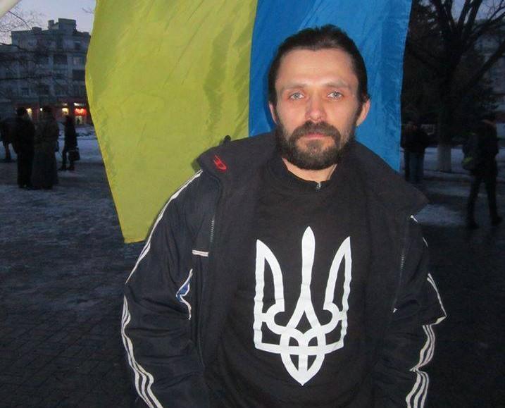Минув рік з дня смерті бахмутського активіста АртеМинув рік з дня смерті бахмутського активіста Артема Мирошниченкама Мирошниченка