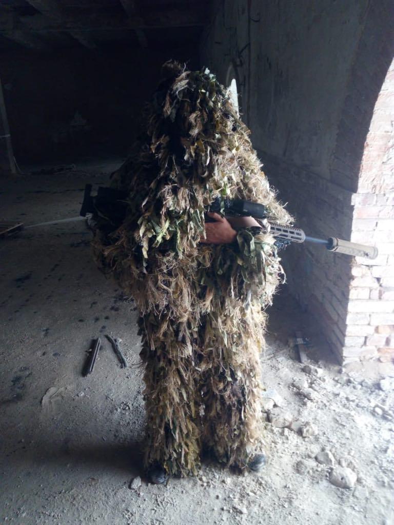 украинский военный в кикиморе самодельная маскировка